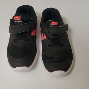 Nike shoes 10c